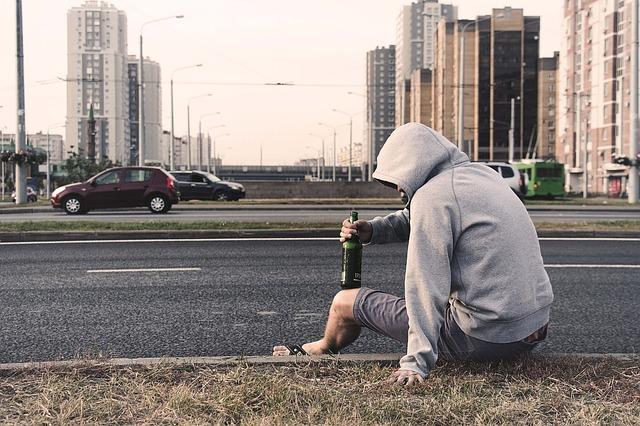 Az alkoholizmus fokozatai – hol kezdődik valójában az alkoholbetegség?